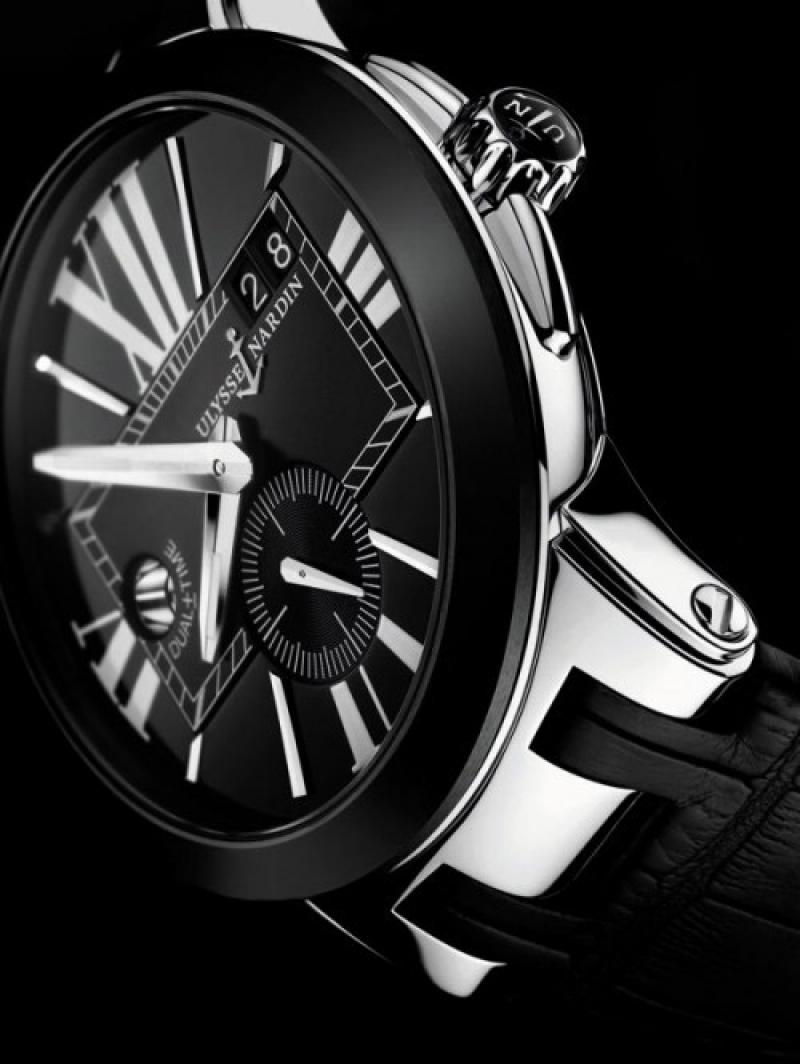 243-00/42 Ulysse Nardin Executive Dual Time 43mm Executive Dual Time