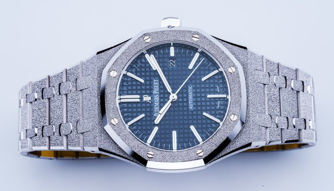 15410BC.GG.1224BC.01 Audemars Piguet Frosted Gold 41 mm Royal Oak Offshore