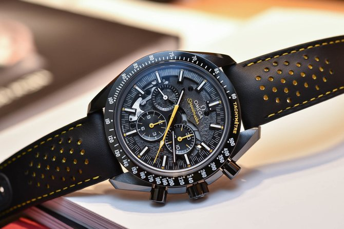 Omega 311.92.44.30.01.001 Speedmaster Moonwatch Dark Side of the Moon Apollo 8 - фото 4