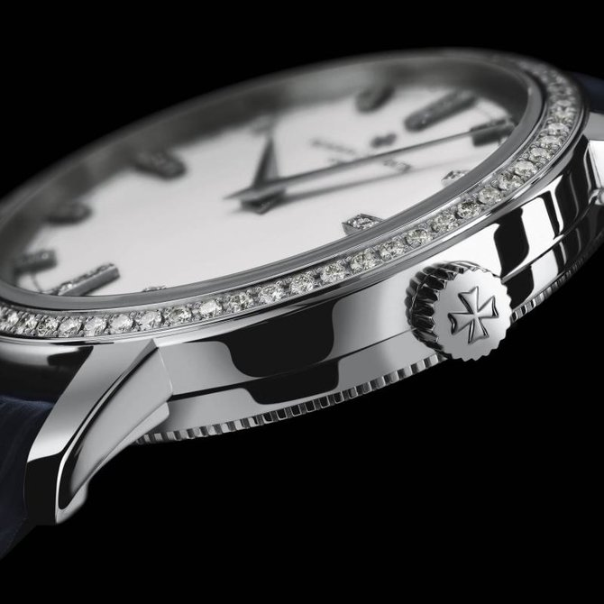 Vacheron Constantin 25558/000G-9405 Traditionnelle Lady Traditionnelle Small Model Diamond Set - фото 2