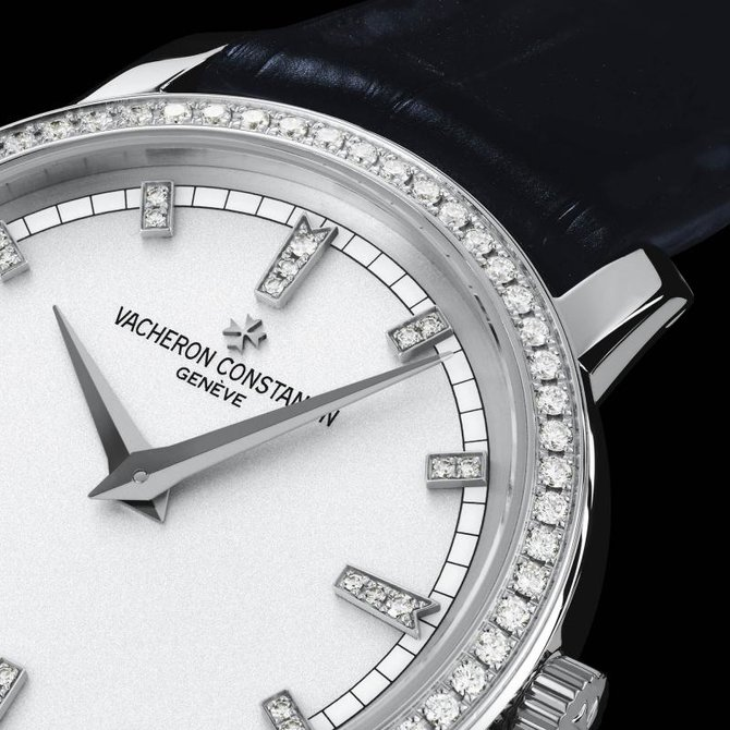 Vacheron Constantin 25558/000G-9405 Traditionnelle Lady Traditionnelle Small Model Diamond Set - фото 4