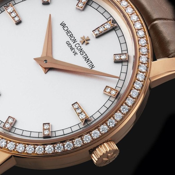 Vacheron Constantin 25558/000R-9406 Traditionnelle Lady Traditionnelle Small Model Diamond Set - фото 4