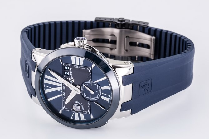 243-00-3/43 Ulysse Nardin 43mm Executive Dual Time