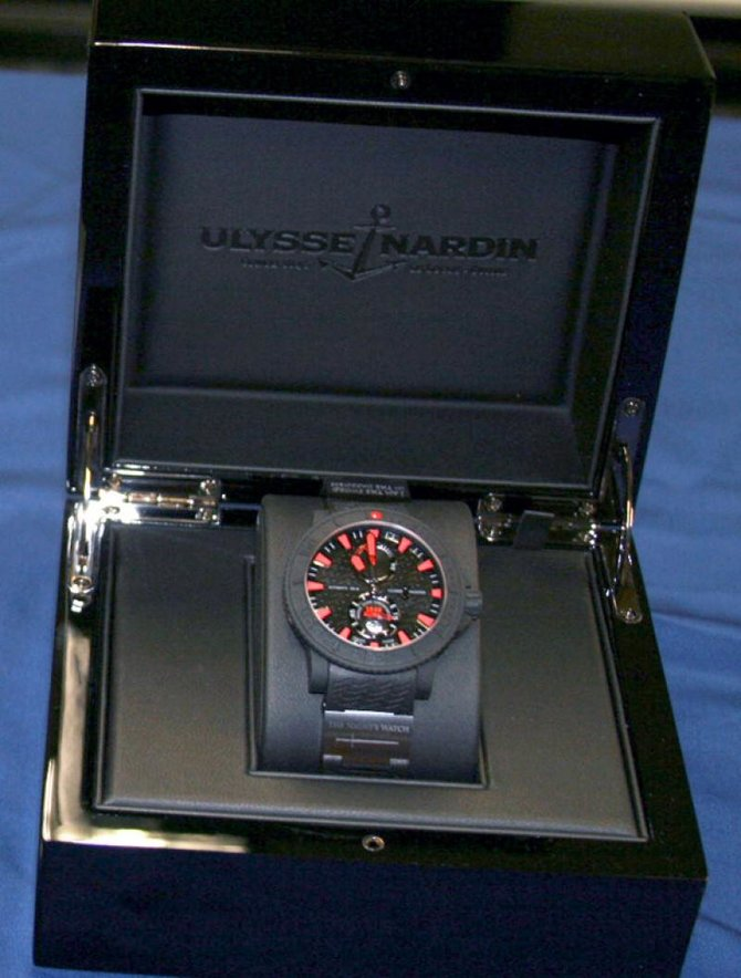 Ulysse Nardin Black Sea 'Game of Thrones' Maxi Marine Diver Black Sea 'Game of Thrones' Limited Edition 25 - фото 5